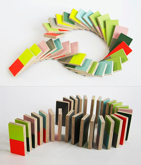 PIECES N PLAY Domino by Lee Storm | moddea