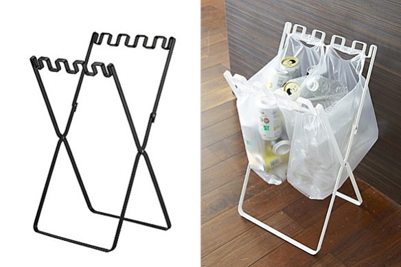 Recycling Bag Stand by Kouichi Kishikawa | moddea