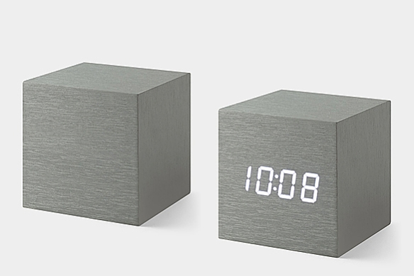 Alume Cube Clock by Natalie Sun | moddea